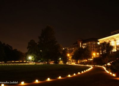 Beleuchteter Schlossgarten Kiel zur Museumsnacht.