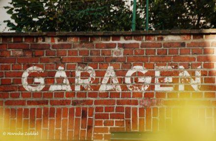 Mauer mit Aufschrift Garagen in Ratzeburg