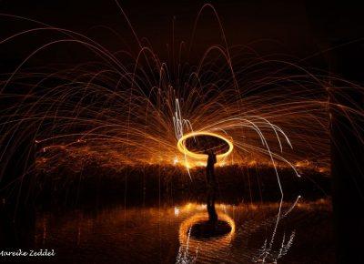 Lichtspuren mit brennender Stahlwolle